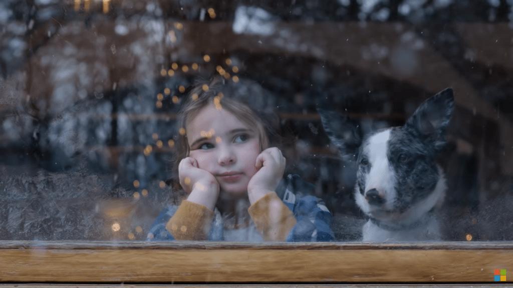 Kadr z reklamy Microsoft - Holiday Magic: Lucy & the Reindeer
