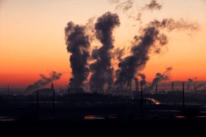 czym jest smog - zanieczyszczenia nad miastem